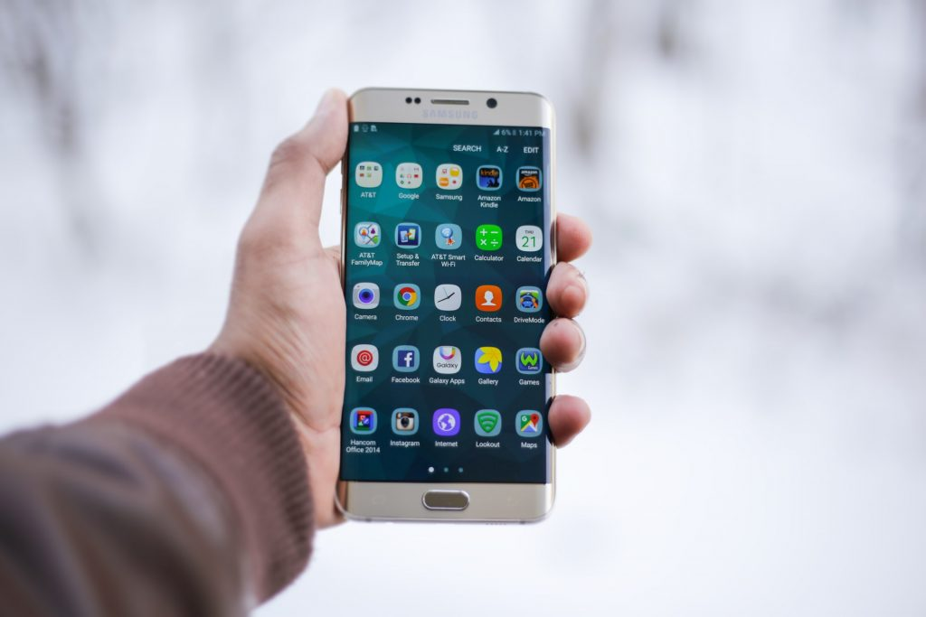 Android users enjoy apps earlier, but iOS apps are more carefully checked